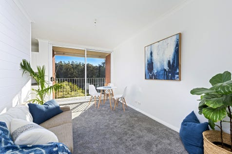 6/660 Barrenjoey Road, Avalon Beach, 2107, Northern Beaches - Unit / *** Under offer *** Tastefully renovated with balcony & LUG / Balcony / Garage: 1 / Secure Parking / $565,000