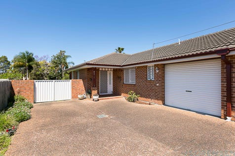 2/1 Japonica Close, Lake Haven, 2263, Central Coast - House / WHERE THE LIVING IS EASY... / Garage: 1 / Air Conditioning / P.O.A