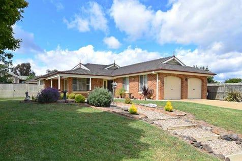9 Honeysuckle Close, Llanarth, 2795, Central Tablelands - House / SENSATIONAL / Garage: 2 / Ensuite: 1 / Toilets: 2 / $539,000