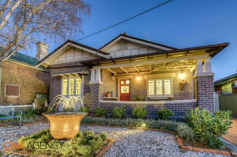 54  Prince Street, Orange, 2800, Central Tablelands - House / Double Brick Californian Bungalow, and walk to town.... / Garage: 1 / Toilets: 1 / $580,000