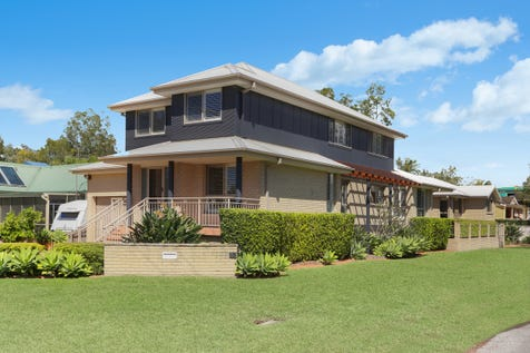 13 & 13a Emora Ave, Davistown, 2251, Central Coast - House / Quality family home with separate villa / Balcony / Carport: 1 / Garage: 3 / Secure Parking / Air Conditioning / Floorboards / Toilets: 3 / P.O.A