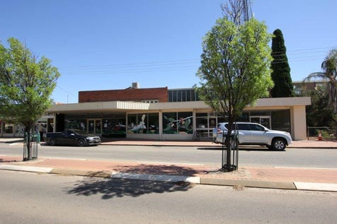 104/104A Barrack Street, Merredin, 6415, East - Unitblock / PRIME MAIN STREET LOCATION / Toilets: 2 / $210,000