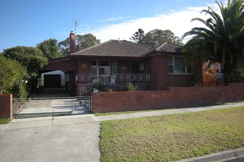 65 TENNYSON STREET, Orbost, 3888, Gippsland - House / Location Location Location / Carport: 2 / Garage: 2 / Toilets: 2 / $218,000