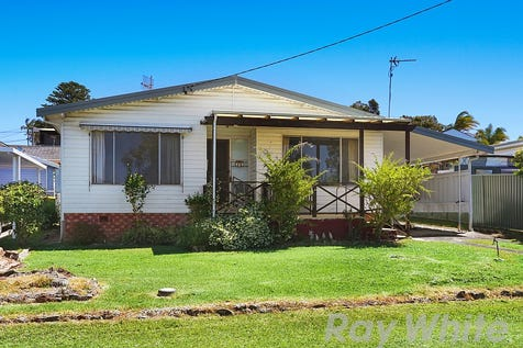 34 Delia Avenue, Budgewoi, 2262, Central Coast - House / Bargain Buying - Huge Potential / Garage: 1 / Toilets: 1 / $385,000