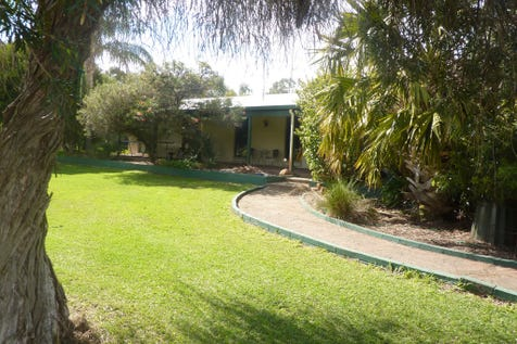 13 Stonesfield Court, Dardanup West, 6236, Unspecified - House / Amazing Buy in Dardanup West on 2.05 Hectares. ( 5.066 Acres) / Carport: 2 / Garage: 2 / Open Spaces: 8 / Secure Parking / Toilets: 2 / $469,000