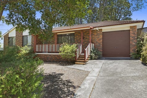 19 Hasluck Drive, Watanobbi, 2259, Central Coast - House / Close To Everything / Carport: 1 / Garage: 1 / $450,000