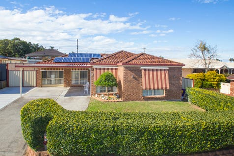 22 Rosella Circuit, Blue Haven, 2262, Central Coast - House / Spacious, Contemporary & Private!  / Garage: 2 / $490,000