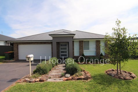 8 Mariposa Street, Orange, 2800, Central Tablelands - House / Great Home Plus an Excellent Shed / Carport: 2 / Garage: 4 / Dishwasher / Rumpus Room / Ensuite: 1 / $545,000
