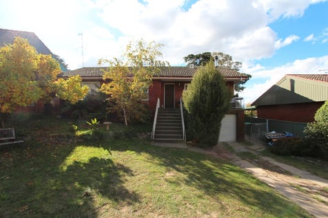 3 Isaacs Street, Bathurst, 2795, Central Tablelands - House / VERY SOUGHT AFTER LOCATION / Garage: 1 / Toilets: 1 / $339,000