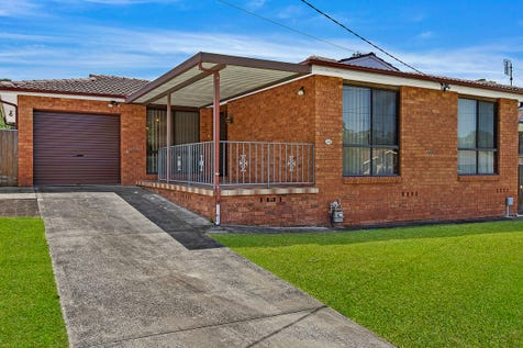 48 Seawind Terrace, Berkeley Vale, 2261, Central Coast - House / Prime Position with Potential Plus / Garage: 2 / $550,000