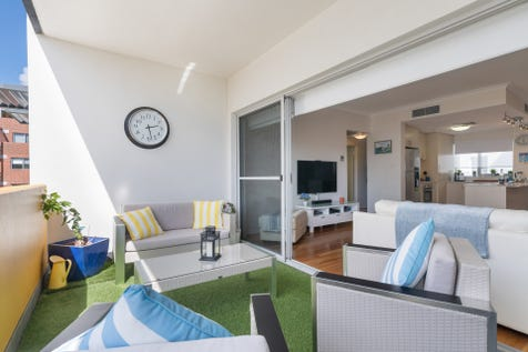 16/32 Fielder Street, East Perth, 6004, Perth City - Apartment / PERTH RIVER PRECINCT IS HEATING UP! / Balcony / Garage: 1 / Secure Parking / Air Conditioning / Floorboards / $499,000