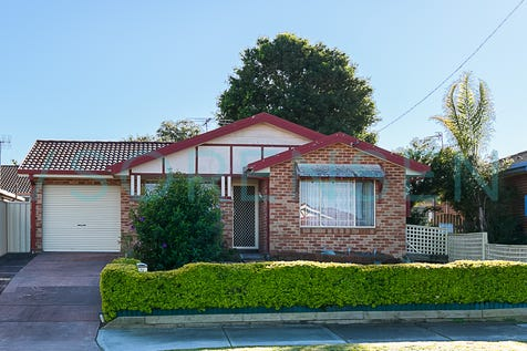 77 Roper Road, Blue Haven, 2262, Central Coast - House / EASY MAINTENANCE LIVING! / Garage: 1 / Air Conditioning / P.O.A