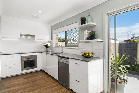 4/1 Kitchener Road, Long Jetty, 2261, Central Coast - Villa / Excellent opportunity for downsizers and investors / Garage: 1 / $445,000