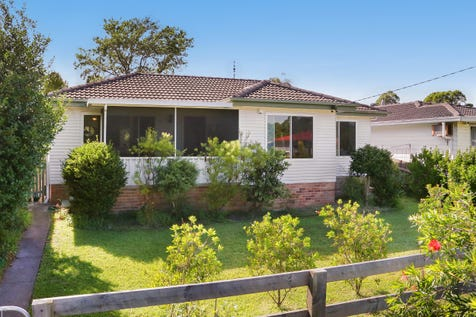 12 Lock Avenue, Springfield, 2250, Central Coast - House / Character & Charm / Garage: 1 / Secure Parking / Air Conditioning / Floorboards / Toilets: 1 / $590,000