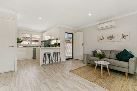 2/5 Whiting Road, Ettalong Beach, 2257, Central Coast - Villa / Ultra Modern, 2 Bedroom Villa! / Garage: 1 / P.O.A