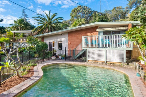 17 Suncrest Avenue, Newport, 2106, Northern Beaches - House / Classic Bungalow With Excellent Dual Living Accommodation / Swimming Pool - Inground / Carport: 2 / $1,660,000