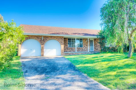 136 Helmsman Boulevard, St Huberts Island, 2257, Central Coast - House / Nice Slice Of Island Life / Balcony / Garage: 2 / Secure Parking / Air Conditioning / Toilets: 2 / $750,000