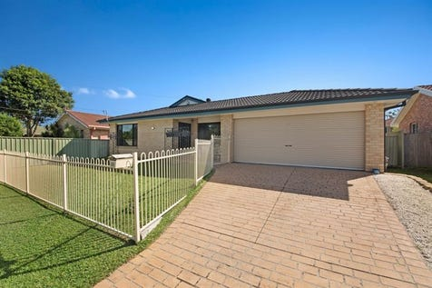 22 Loongana Cres, Blue Haven, 2262, Central Coast - House / Presentation perfection / Garage: 2 / $500,000