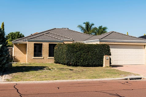 89 Ponte Vecchio Boulevard, Ellenbrook, 6069, North East Perth - House / Big Home. Needs some love / Garage: 2 / $375,000
