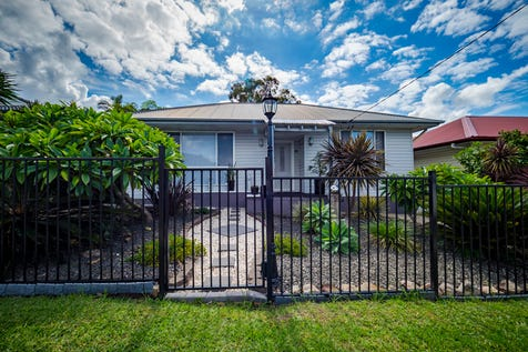 10 Cheryl Street, Mannering Park, 2259, Central Coast - House / PICTURE PERFECT OASIS / Balcony / Carport: 1 / Air Conditioning / Floorboards / Toilets: 2 / $490,000