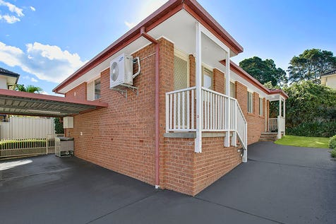 3/42 York Street, East Gosford, 2250, Central Coast - Villa / Little Beauty    / Carport: 1 / Air Conditioning / Built-in Wardrobes / Toilets: 1 / $399,000