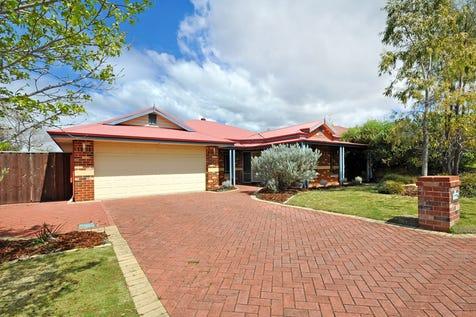 9 Thornbill Vista, Ellenbrook, 6069, North East Perth - House / Classic Charm / Garage: 2 / Toilets: 2 / $449,000