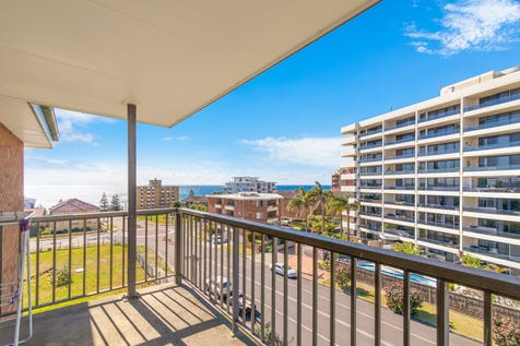 6/3-5 Fairport Ave, The Entrance, 2261, Central Coast - Apartment / BLUE CHIP POSITION ! / Balcony / Garage: 1 / Open Spaces: 1 / Secure Parking / Dishwasher / $429,000