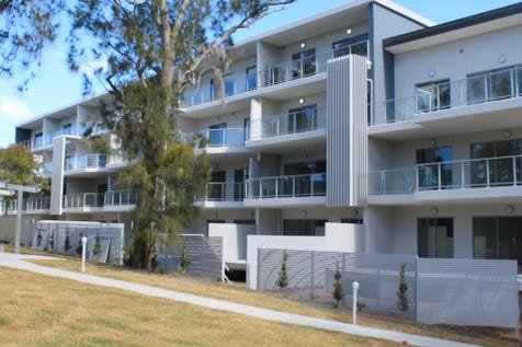 33/2 Norberta Street, The Entrance, 2261, Central Coast - Unit / TOP FLOOR, TOP POSITION! / Balcony / Garage: 1 / Secure Parking / Built-in Wardrobes / Intercom / Split-system Air Conditioning / Ensuite: 1 / $515,000