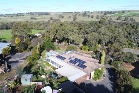 93 Robinson Street, Gingin, 6503, North East Perth - House / Live a Sustainable Country Life / $465,000