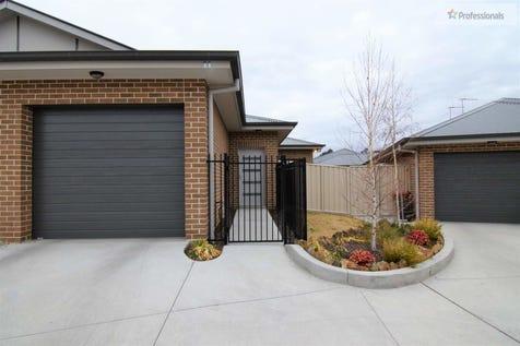 11/57 Rosemont Avenue, Kelso, 2795, Central Tablelands - Villa / MODERN & SECURE / Garage: 1 / Toilets: 2 / $419,000