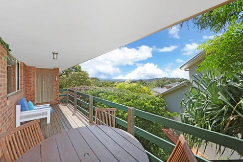 40 Sanctuary Place, Bateau Bay, 2261, Central Coast - House / SOLD ! BEACH SIDE BATEAU BAY/ FORRESTERS BEACH WITH LAKE VIEWS / Garage: 2 / $660,000