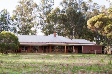37 Corte Close, Brigadoon, 6069, North East Perth - Other / SECLUDED EQUESTRIAN GEM IN THE SWAN VALLEY  / Garage: 2 / Open Spaces: 10 / Ensuite: 2 / Living Areas: 2 / Toilets: 3 / $1,590,000