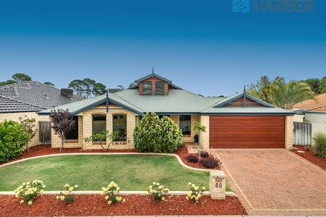 69 SAN LORENZO BOULEVARD, Ellenbrook, 6069, North East Perth - House / UNDER OFFER!  TOP OF IT'S CLASS! / Garage: 2 / $479,000