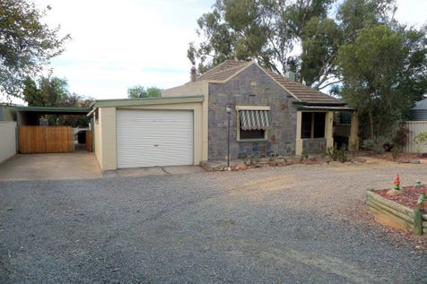 7 Hardy Street, Mannum, 5238, Murraylands - House / Character Home - Fabulous Investment Property - Great Rent Return / Carport: 1 / Garage: 1 / Open Spaces: 2 / Living Areas: 2 / Toilets: 1 / $263,000