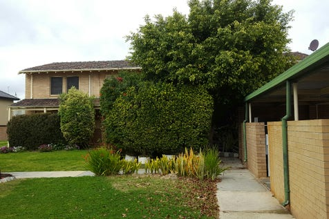 8/216 Swan Street, Yokine, 6060, North East Perth - Townhouse / Great start up Townhouse!! / Carport: 1 / Air Conditioning / $329,000