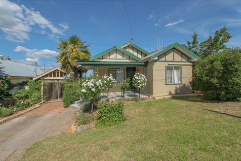 8 Raglan Street, Bathurst, 2795, Central Tablelands - House / THE HARD WORK HAS BEEN DONE / Deck / Carport: 1 / Garage: 1 / Built-in Wardrobes / Dishwasher / Floorboards / Reverse-cycle Air Conditioning / Toilets: 1 / $309,000