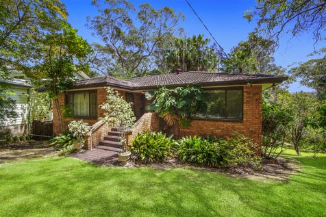 19 Crystal Ave, Pearl Beach, 2256, Central Coast - House / North facing residence on 837sqm of lush and tranquil gardens / Carport: 1 / Garage: 1 / $1,190,000
