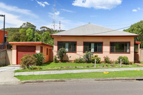 16 Pacific Highway, Ourimbah, 2258, Central Coast - House / Auction - This Saturday at 2pm / Garage: 1 / $400,000