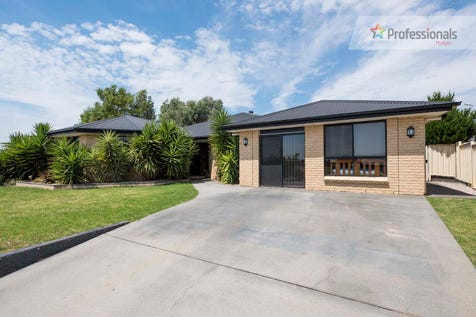 50 White Circle, Mudgee, 2850, Central Tablelands - House / Superb Family Home / Air Conditioning / Toilets: 2 / $489,000