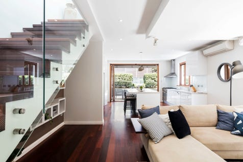 213 Johnston Street, Annandale, 2038, Inner West - House / Modernised cottage, city views & parking / Garage: 1 / $1,875,000