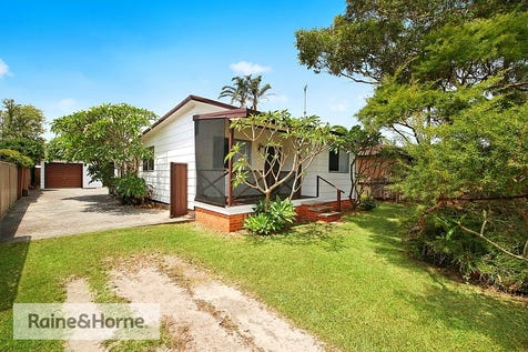 43 Marina View Parade, St Huberts Island, 2257, Central Coast - House / READY FOR RENOVATION / Garage: 1 / $629,000