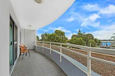 123, 89 The Entrance Road, The Entrance, 2261, Central Coast - Lifestyle / Coastal Living, The Oaks Waterfront Resort , Spacious 2 Br unit, Perfect Location, Ideal Investment, on The Entrance promenade, Fish, Boat, Relax. / Balcony / Outdoor Entertaining Area / Swimming Pool - Inground / Garage: 1 / Remote Garage / Gym / $329,000