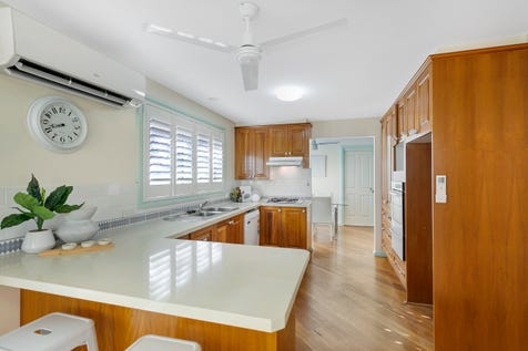 1/3 Robert Place, Bateau Bay, 2261, Central Coast - Duplex/semi-detached / Villa Perfection / Garage: 1 / Toilets: 1 / $550,000