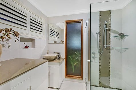 146 Cresthaven Ave, Bateau Bay, 2261, Central Coast - House / BEAUTIFULLY PRESENTED SINGLE LEVEL HOME / Garage: 2 / $750,000