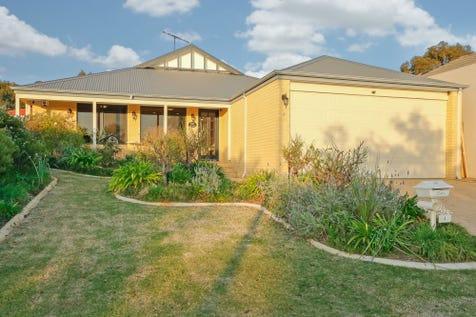 4 Oliveri Street, Sinagra, 6065, North East Perth - House / Park views forever    (Viewing by appointment) / Garage: 2 / $479,000