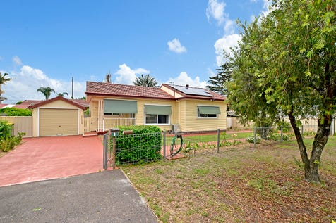 4 Cogra Rd, Woy Woy, 2256, Central Coast - House / The ideal starter, close to station / Garage: 1 / $560,000