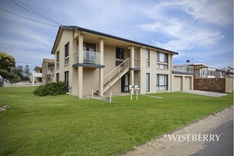 8 Wyuna  Avenue, The Entrance North, 2261, Central Coast - House / Duplex At The Beach! / Garage: 4 / $895,000