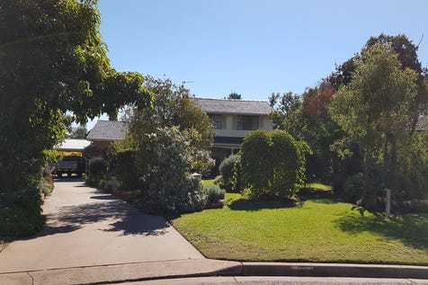 4 CRAFT CRES, Condobolin, 2877, Central Tablelands - House / TIME TO TRAVEL / Carport: 2 / Air Conditioning / Toilets: 2 / $330,000