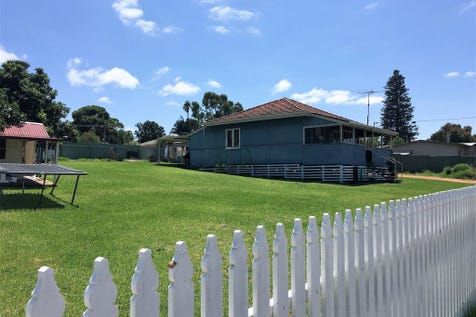 14 Fraser Street, Gingin, 6503, North East Perth - House / Fully Renovated Charming Cottage on Huge Block / $279,000