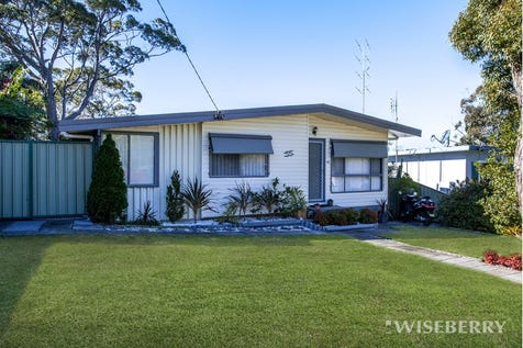 55 Woodlawn Drive, Budgewoi, 2262, Central Coast - House / AT LAST – HERE IT IS! / Garage: 2 / $390,000